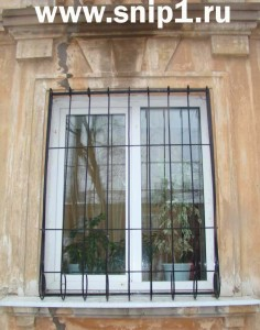 Защитная декоративная решётка для окна