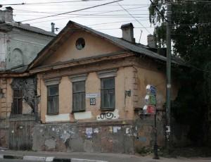 Старый покосившейся дом