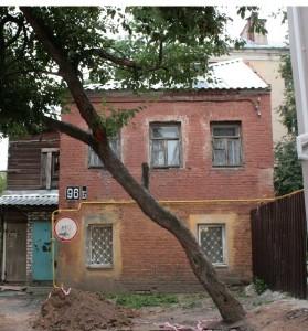 Небольшой кирпичный дом