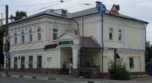 Дом 19 века с оригинальным  фасадом