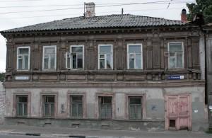 Дом 19 века с выполненным из дерева вторым этажом