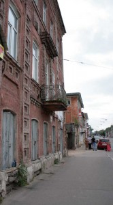 Фасад кирпичного здания