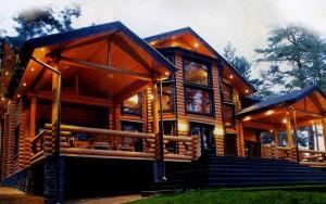 Хорошо освещённый дом