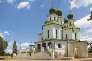 Войсковой Воскресенский собор с шатровой колокольней — самый первый храм, построенный на Дону