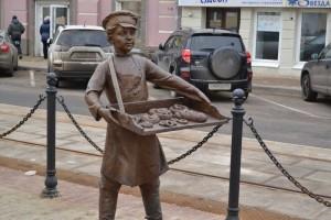 Нижний Новгород, ул. Рождественская. Фигура булочника.