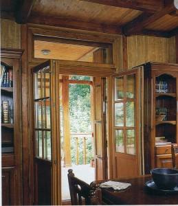 Парадные деревянные двери