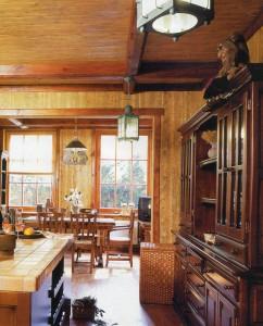 Кухня из дерева и камня