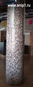 Столб с плиткой-мозаикой