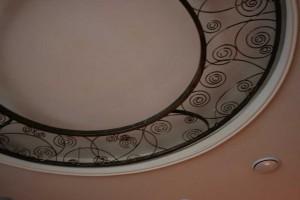 Кованные элементы в интерьере