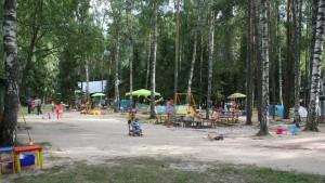 Детская площадка на свежем воздухе