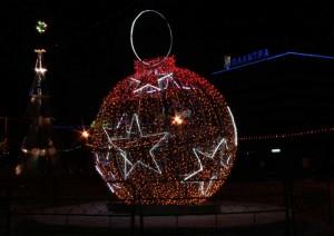 Украшение новогодней площади