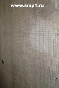 Натяжение на стену сетки для армирования