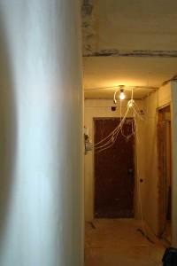 Стены после затирки шлифовальной сеткой
