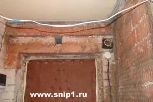 промазываем поверхность бетонную