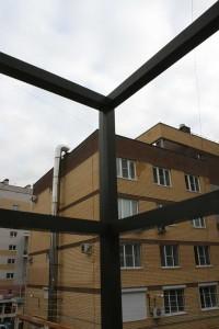 Высокие перила как элемент фасада
