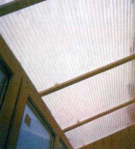 Балконы с крышей из поликарбоната