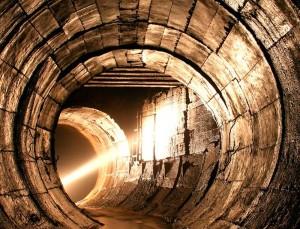 Под городом Москвой канализация
