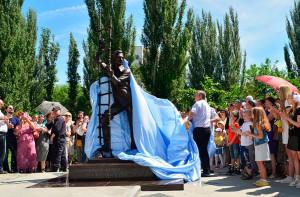 Памятник Олегу Янковскому