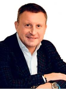 Андреем Хмелевским