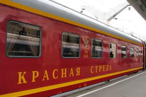 В метро Петербурга вышел на линию поезд «Красная стрела»