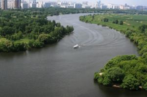 через Москву-реку