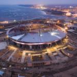 Раздвижная крыша и поле на стадионе «Крестовский»