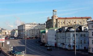 на ул. Большая Полянка