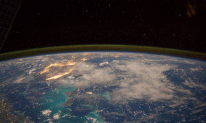 Выставку фотографий нашей планеты,