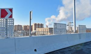 Движение по трем эстакадам и путепроводу через железнодорожные пути было запущено в Москве в этом году, сообщил журналистам руководитель Департамента строительства столицы