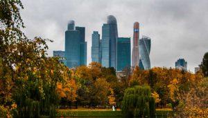 в небоскребах Москвы