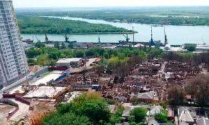 На месте крупного пожара в Ростове на Дону