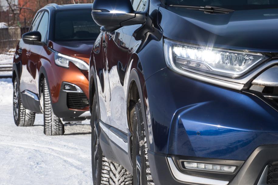 Чужие звезды. —Peugeot 3008 против Honda CR-V