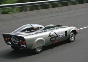 """Scharfe """"Nagelfeile"""": Ein modifizierter Opel GT mit Dieselmotor stellte 1972 bei Versuchsfahrten zwei Welt- und 18 internationale Rekorde auf."""