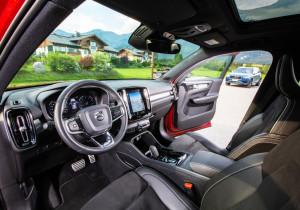 Volvo XC40 und XC90 (h.).