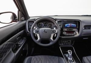 Hochwertig und modern: das Cockpit des Mitsubishi Outlander.