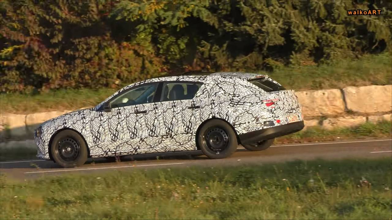 2020 Mercedes CLA Shooting Brake screenshot from spy video