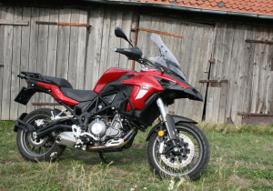 Benelli TRK 502.