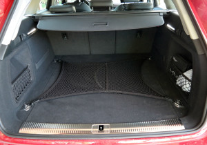 Wegen der Erdgas-Tanks am Wagenboden ist der Kofferraum etwas kleiner als bei Benziner und Diesel.