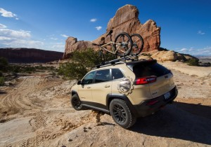 Moab Easter Jeep Safari 2015: Jeep Cherokee Canyon Trail.