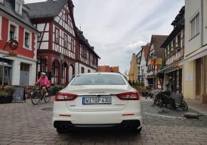 mid Groß-Gerau - Der Quattroporte SQ4 verfügt über einen Dreiliter-V6-Twin-Turbo mit 316 kW/430 PS. Der Klang beim Starten des Motors ist großartig.