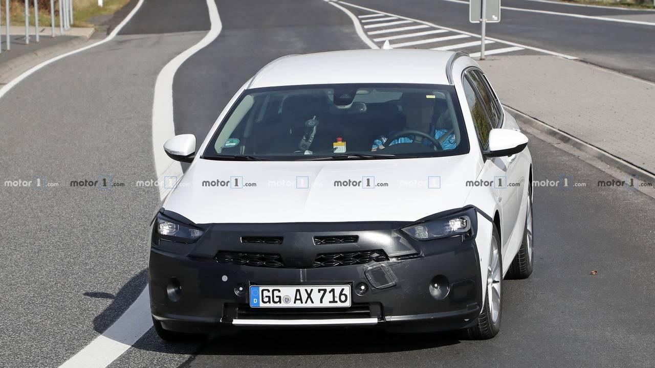 Opel Insignia Facelift (2019) erwischt
