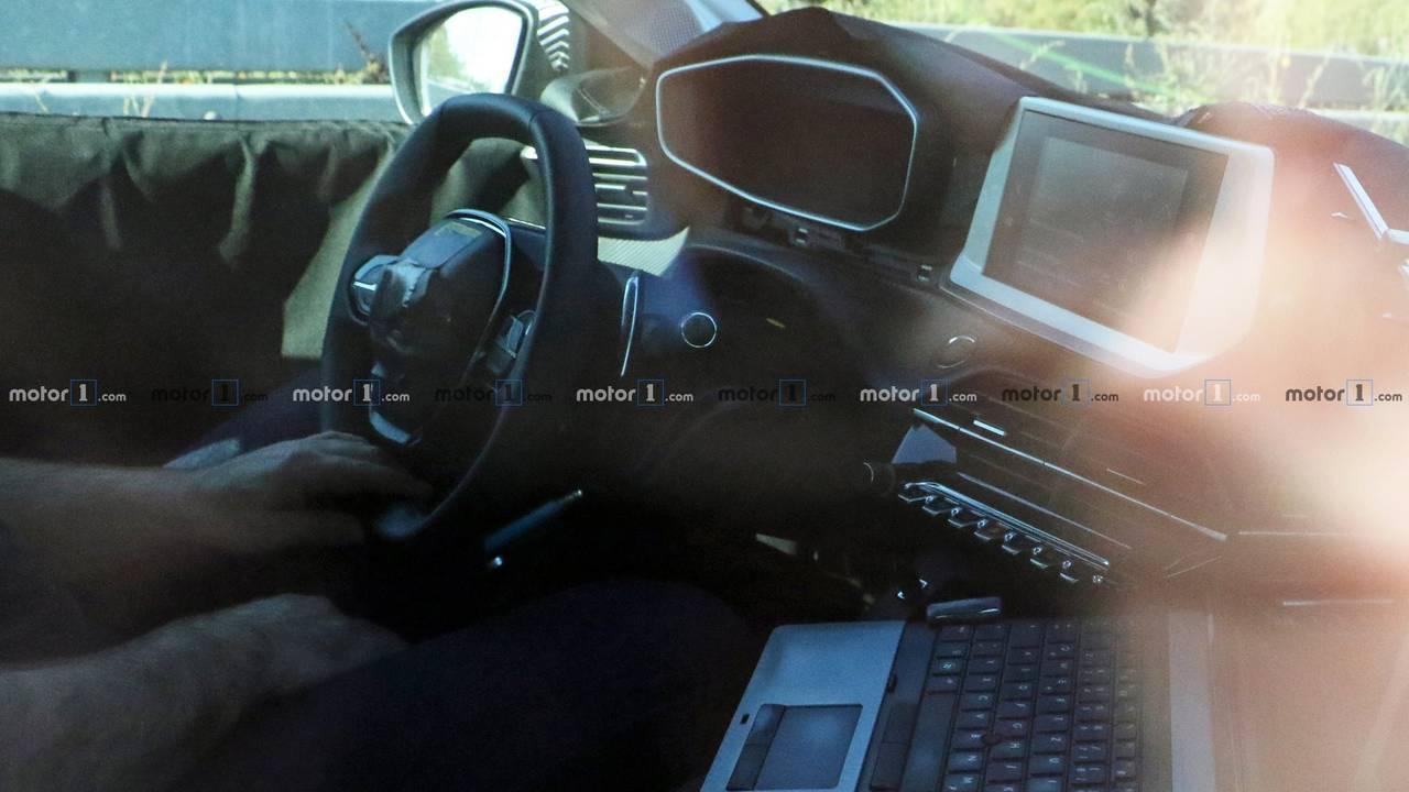 2019 Peugeot 208 spy photo