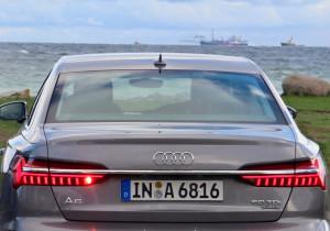 mid Groß-Gerau - Breite LED-Rücklichter und Auspuff-Verkleidungen unterstreichen den sportlichen Look des A6.