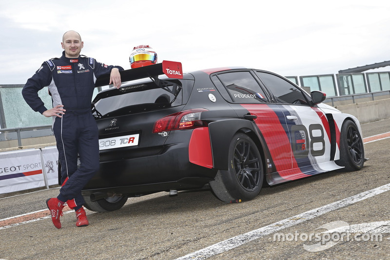 Marko Knab, Editor Motorsport.com Deutschland with the Peugeot 308 TCR