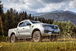 Франция и Япония поддерживают Альянс Renault-Nissan