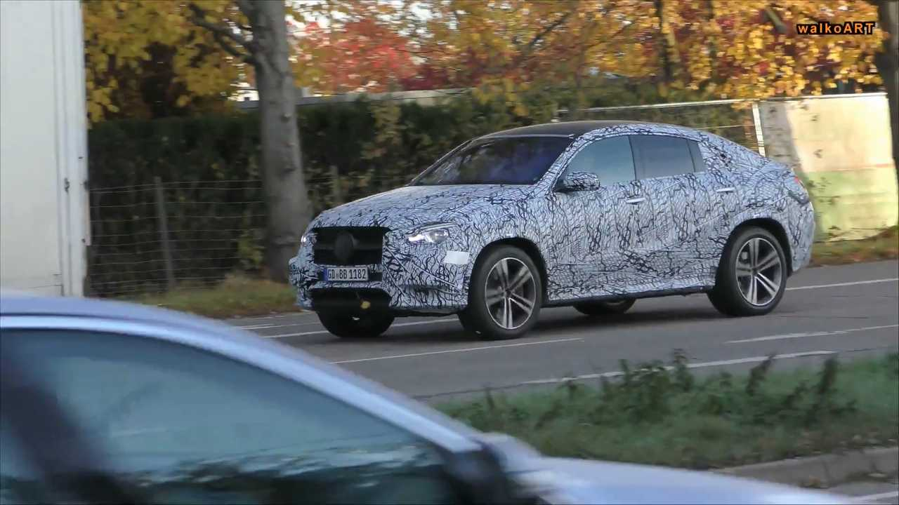 2020 Mercedes GLE Coupe screenshot from spy video