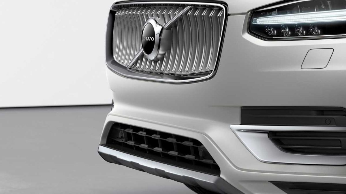 Volvo XC90 (2019): Неброский и мягкий Facelift гибридная система
