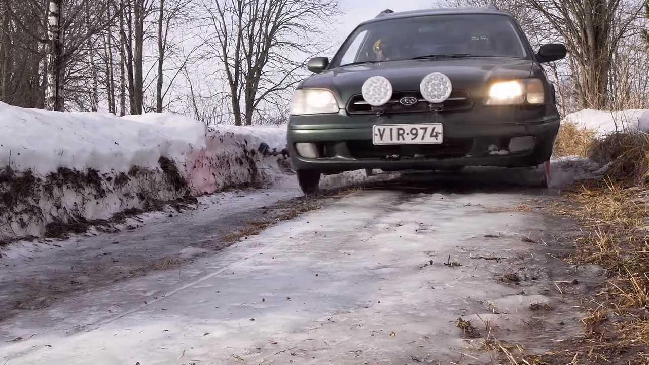Subaru-Vermächtnis auf Sägeblättern