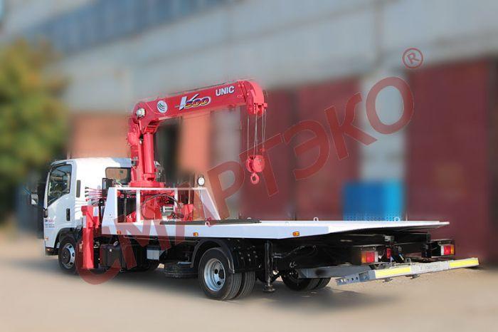 Эвакуатор со сдвижной платформой ISUZU NQR90L-M с устройством частичной погрузки и КМУ UNIC