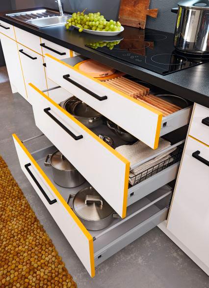 Люминесцентный эффект и стиль загородного дома: компания REHAU представила новые модели мебельных кромок